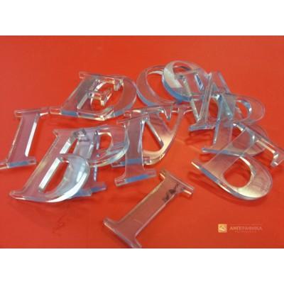 Лазерная резка пластика деталей